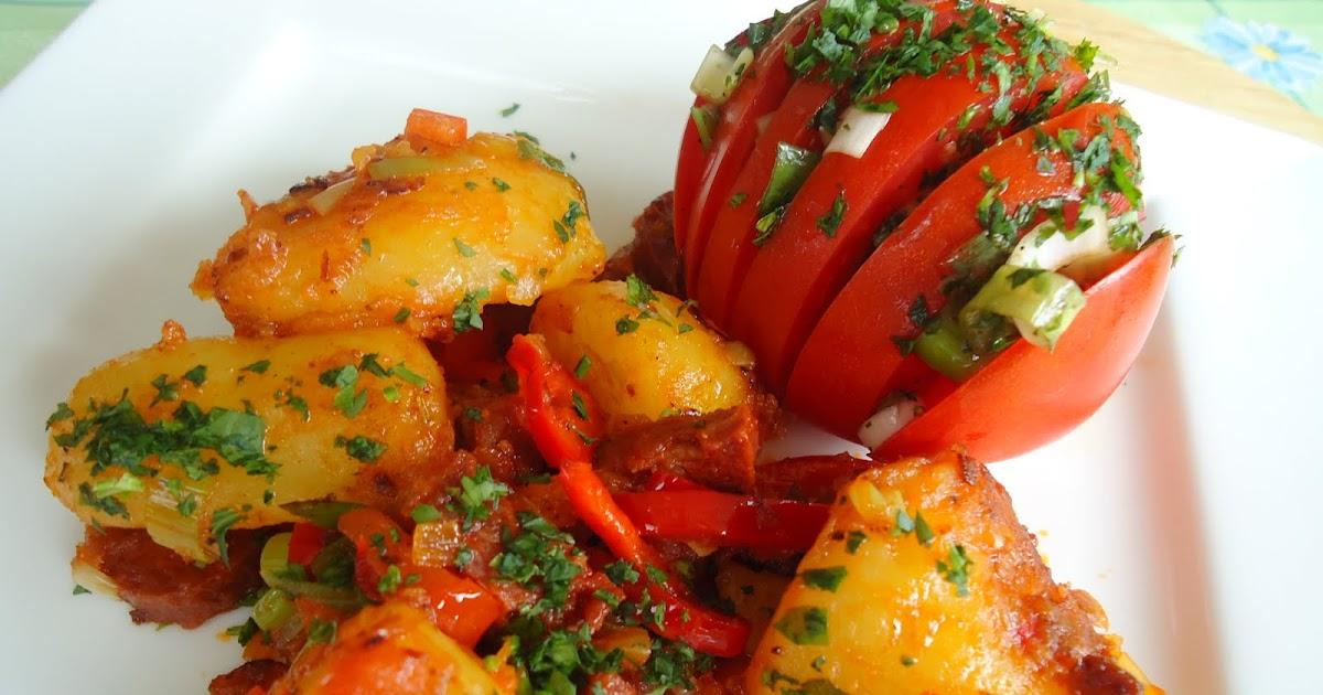 martinas kochk che chorizo kartoffelpfanne mit tomaten igeln. Black Bedroom Furniture Sets. Home Design Ideas