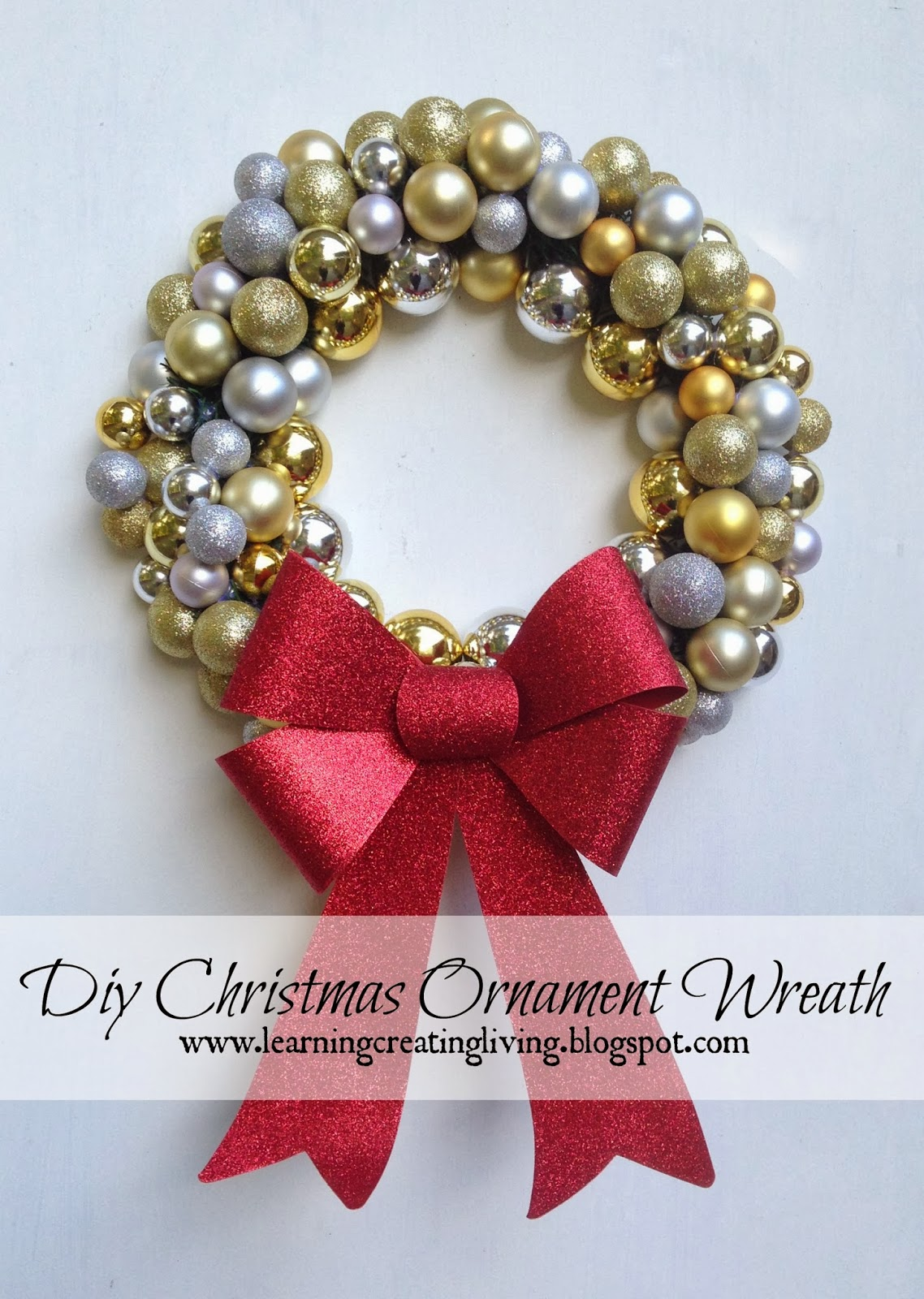 Diy christmas ornament wreath katelyn chantel blog solutioingenieria Image collections