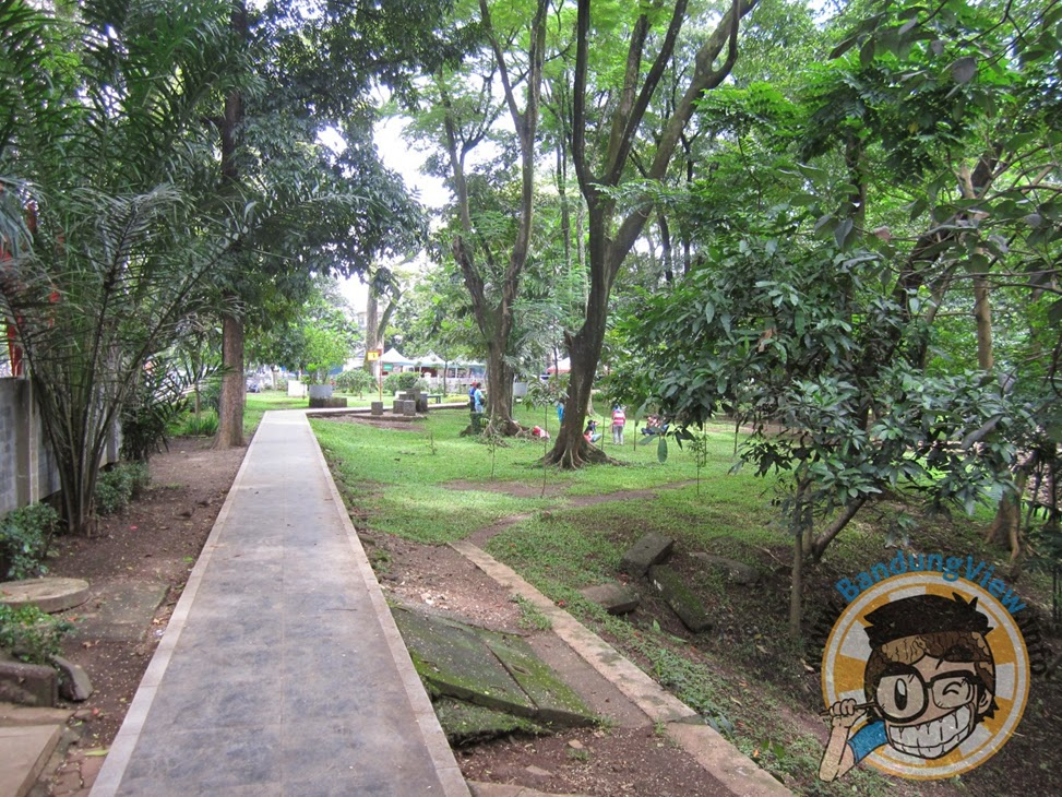 Jogging track di taman lansia