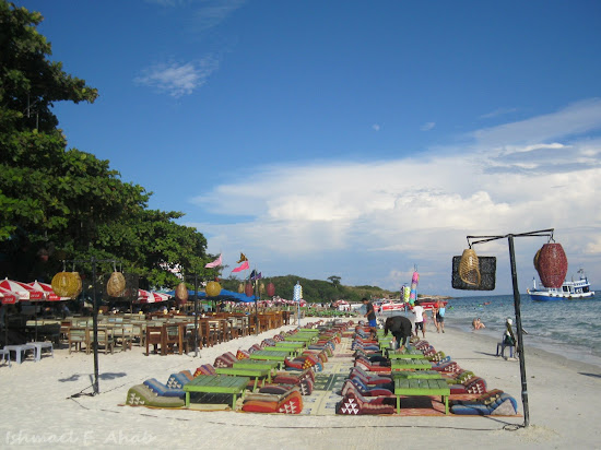 Restaurant beside the sea in Koh Samet Island