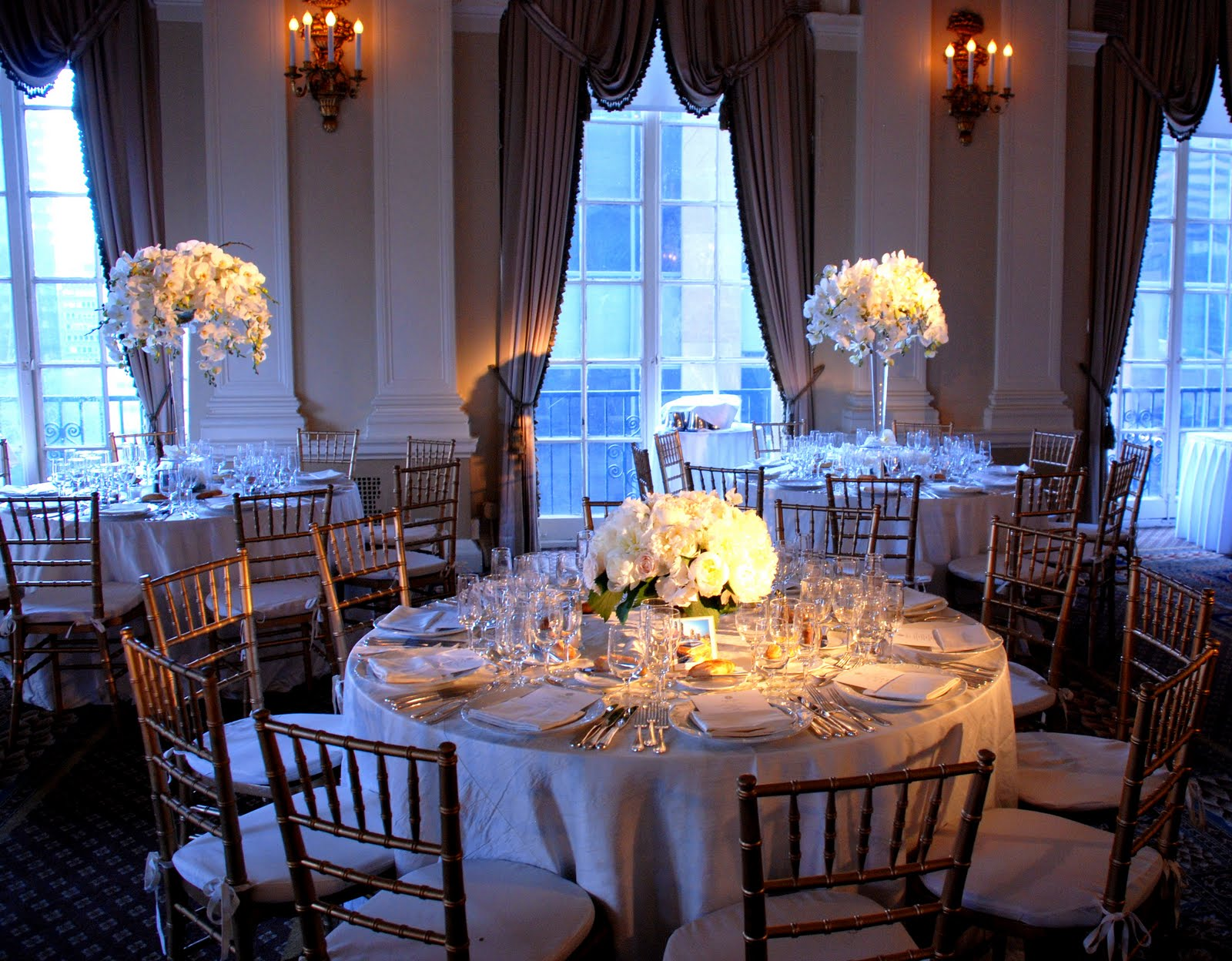 blade new york wedding wednesday low vs high centerpieces