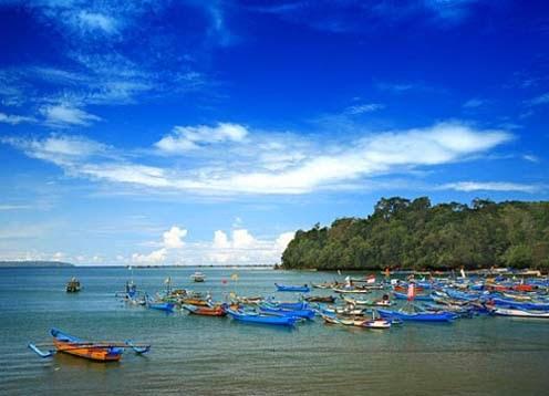 Pantai Pangandaran merupakan salah satu Menikmati Pesona Alam Pantai Pangandaran Jawa Barat