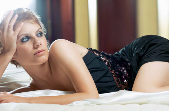 beautiful celebrities m lanie laurent hot. Black Bedroom Furniture Sets. Home Design Ideas
