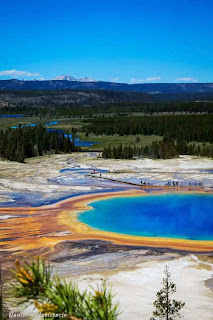 Yellowstone National Park (Best Honeymoon Destinations In USA) 4