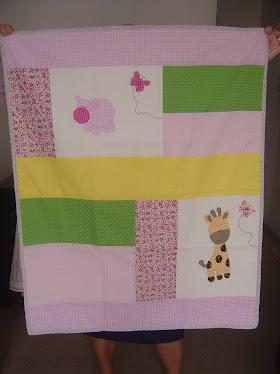 Manta para bebê (patchwork e apliques)