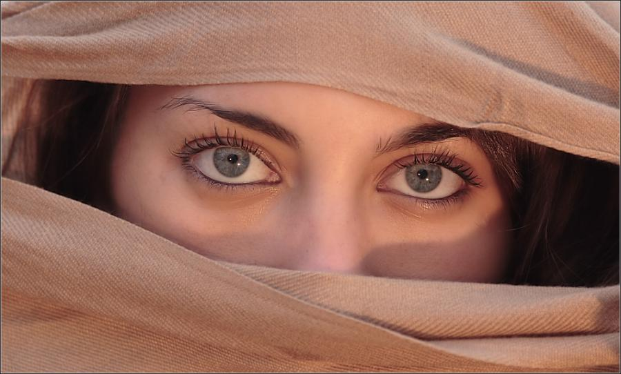 strange facts most beautiful eyes of the world