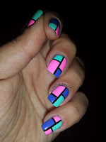 http://cathenail.blogspot.fr/2013/10/color-block-nails-flashy-stamping-holo.html