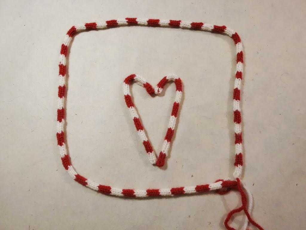 #79251F L'atelier De Kalua: DIY : Noel : Des Décorations Au Tricotin 7626 decoration de noel a faire au tricot 1024x768 px @ aertt.com