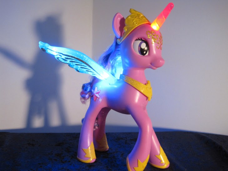 My Little Pony: Friendship is Magic Talking Princess Twilight Sparkle toy light up.