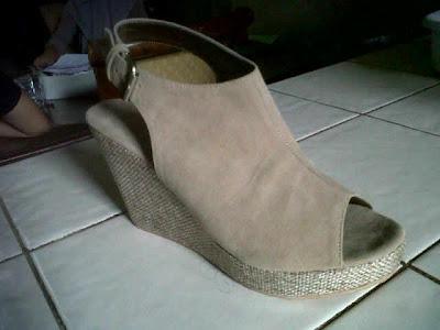 Aneka model sepatu sandal wanita murah,keren dan terbaru,sandal keren model Milo