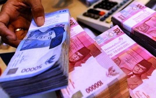banyak uang kaya raya