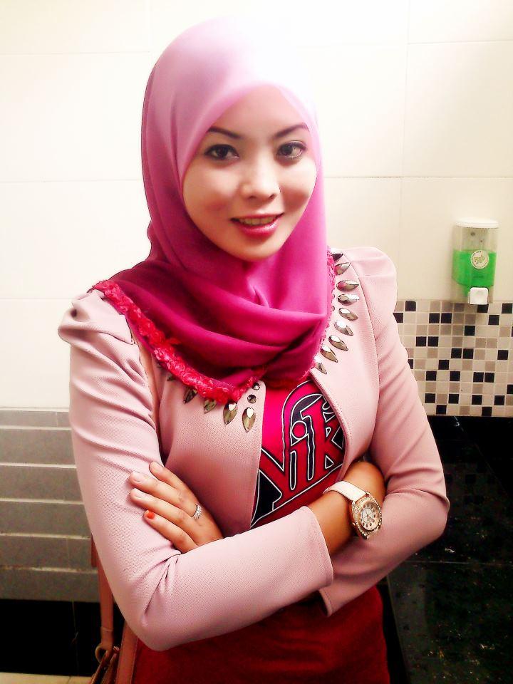 images of Of Awek Cun Bertudung Pink T Shirt Merah Ketat Buah Dada ...