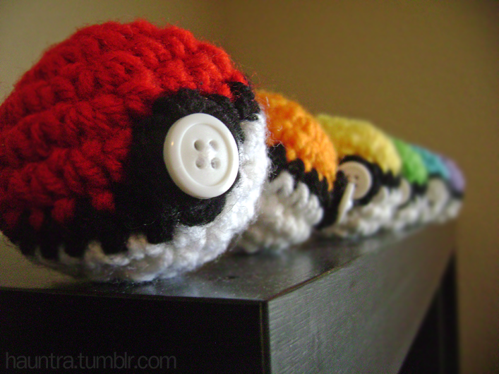 Lyrith\'s sewing box: Pokéball