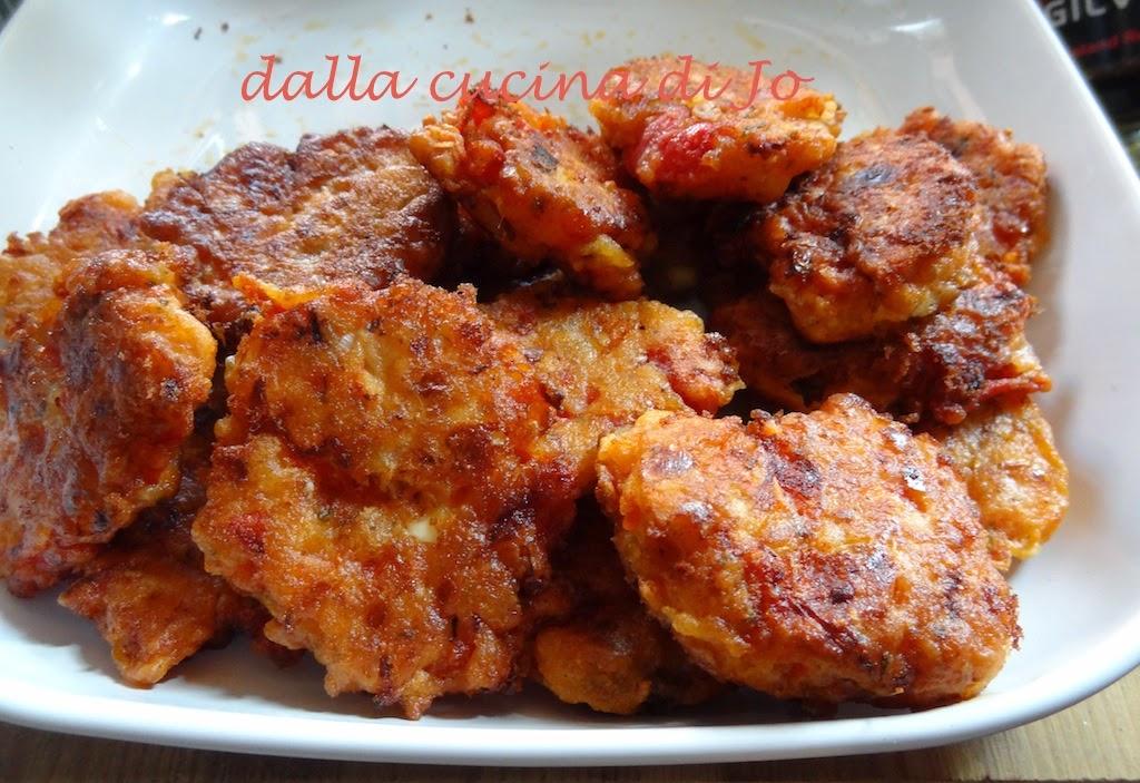 tomatokeftedes, ovvero frittelle di pomodoro