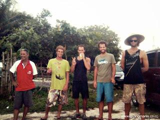 http://90travel.blogspot.com/2013/12/waves-travel-at-krui-jakarta-krui.html