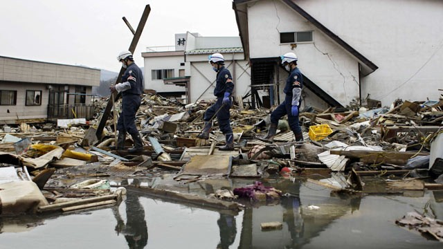 a look at the devastating effects of earthquakes A look at the marines the nepal earthquake destroyed many historic sites that draw hundreds of after a devastating earthquake hit nepal.