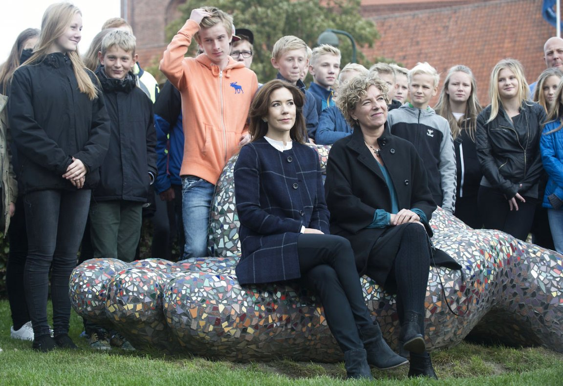 "Crown Princess was involved in the event as she is a patron of the ""School for 200 years,"" which celebrate 200th anniversary of the public school program in Denmark."