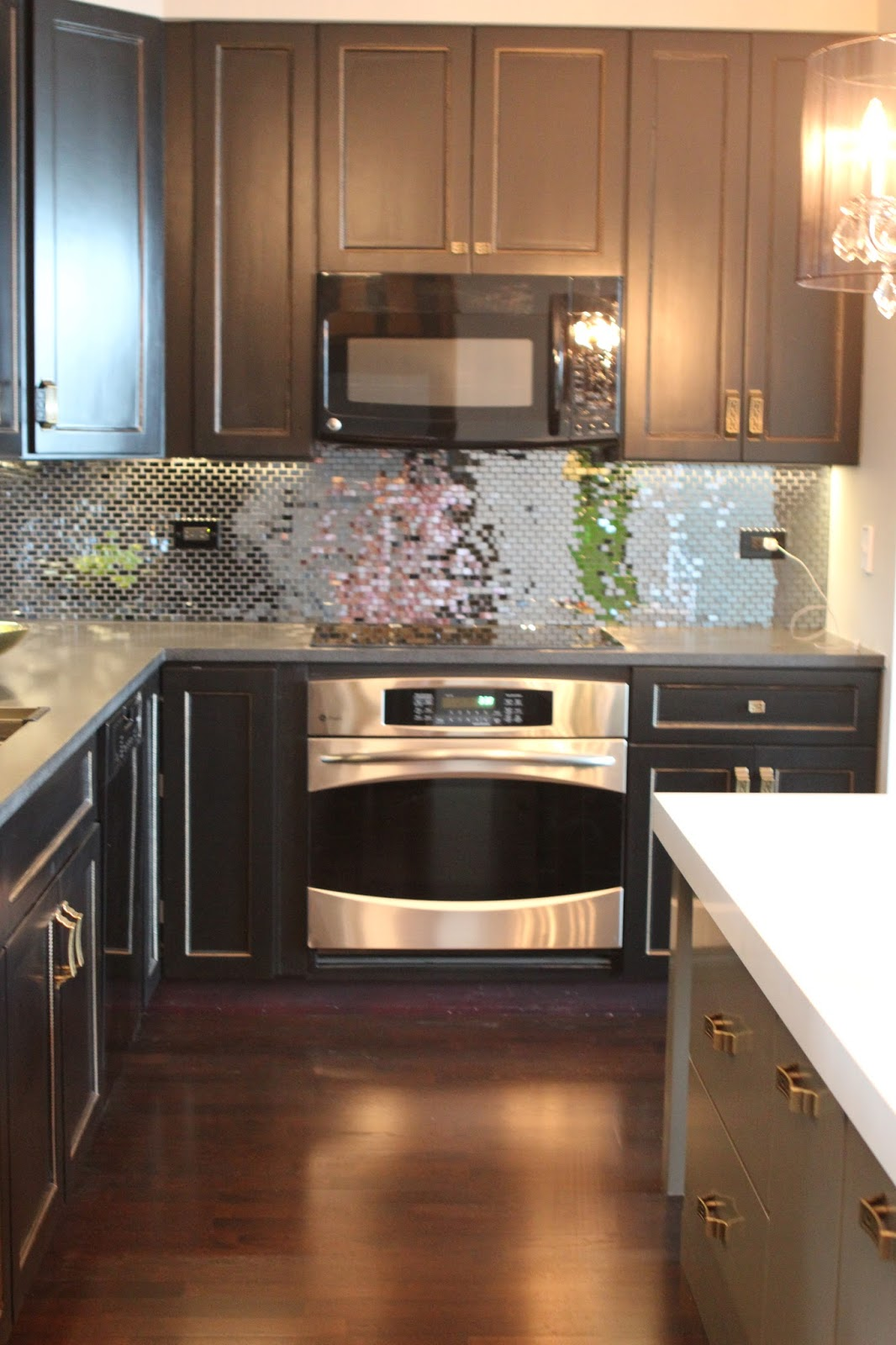 Romancing the Home: Glam Kitchen in the City on