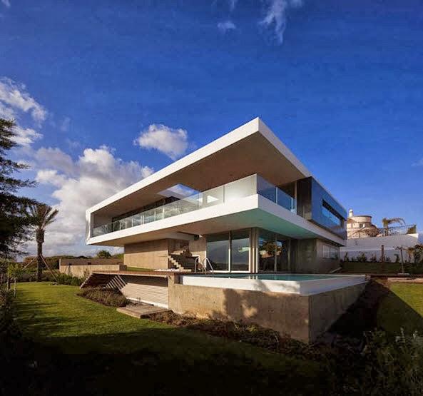 Fachada y planos de una casa moderna frente al mar for Casa moderna 5