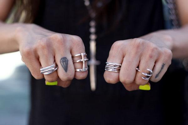 Anelismo - mix de aneis prateados - tendência