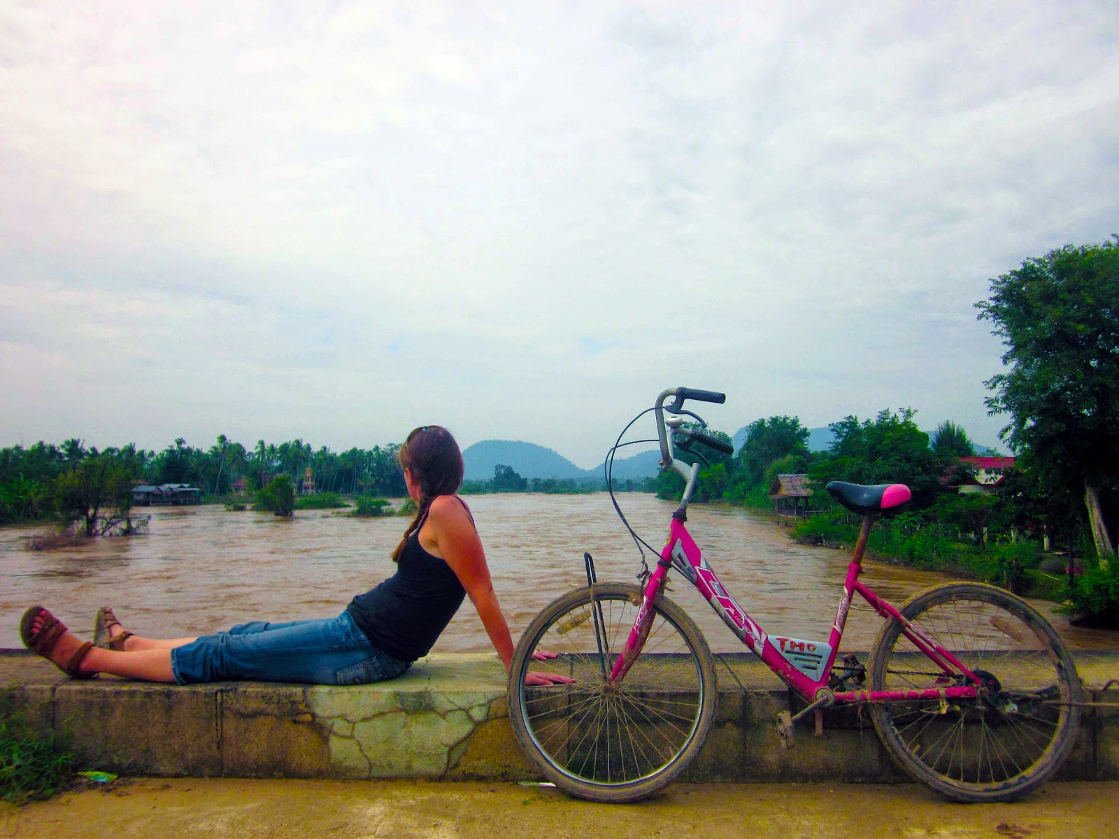 cycling on Don Det - Don Khon bridge