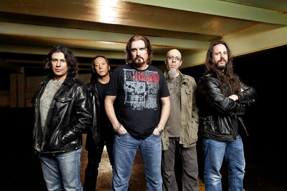"""DREAM THEATER: Nueva canción online """"On The Backs of Angels"""""""