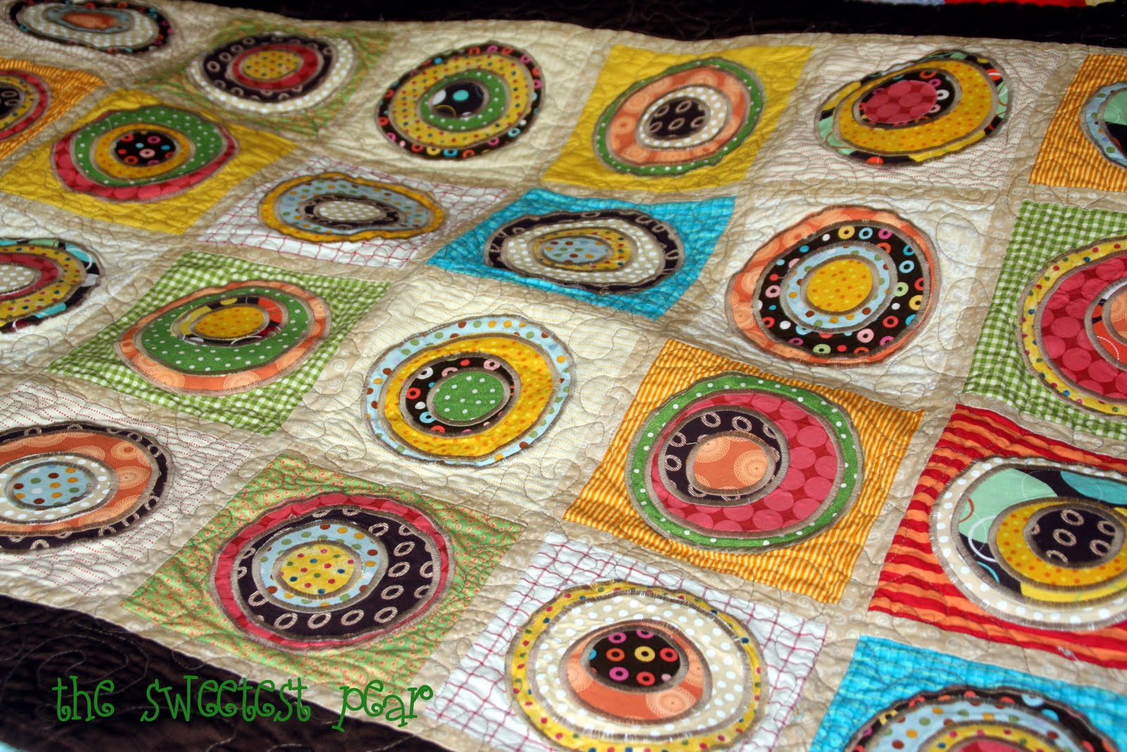 The Sweetest Pear: More Polka Dots: A Quilt : polka dot quilt pattern - Adamdwight.com