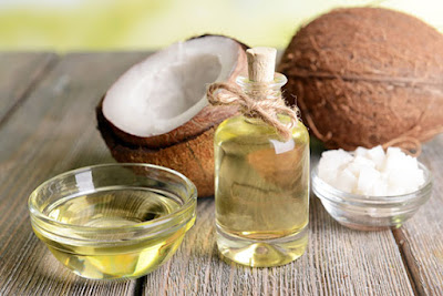 Uses of the coconut oil in the hair