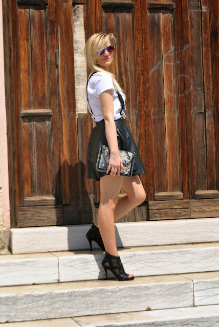 gonna a ruota round circle skirt how to wear round circle skirt outfit gonna a ruota outfit gonna di pelle outfit gonna nera mariafelicia magno fashion blogger colorblock by felym mariafelicia magno outfit bianco e nero outfit bretelle come abbinare le bretelle come abbinare la gonna nera come abbinare la gonna di pelle come abbinare la gonna a ruota abbinamenti gonna a ruota outfit hipster outfit rock glam outfit maggio 2015 outfit estivi milano fashion blogger italiane fashion blog italiani blog di moda italiani blogger italiane di moda fashion blogger italy blonde hair blonde girl summer outfit black and white outfit danilo di lea shoes scarpe danilo di lea pimkie