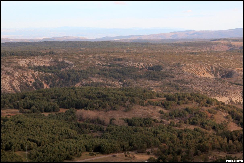 Vista de las Celadas De Villar Del Cobo desde la Muela De San Juan
