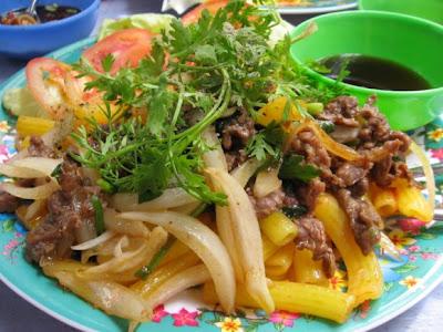 Các món ngon từ thịt bò cho mẹ bầu - Nui xào thịt bò