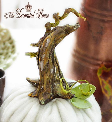 Add a DIY Pumpkin Stem to your Velvet or Faux Pumpkins to make them extra special! The Decorated House