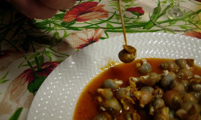la festa dei 35: cena strepitosa, nuove parentele….e i bombolini! – lumachine di mare al sugo di finocchietto