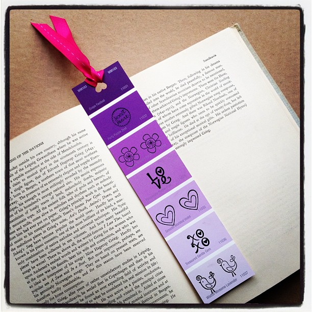 Design by Night: Paint Chip Bookmarks