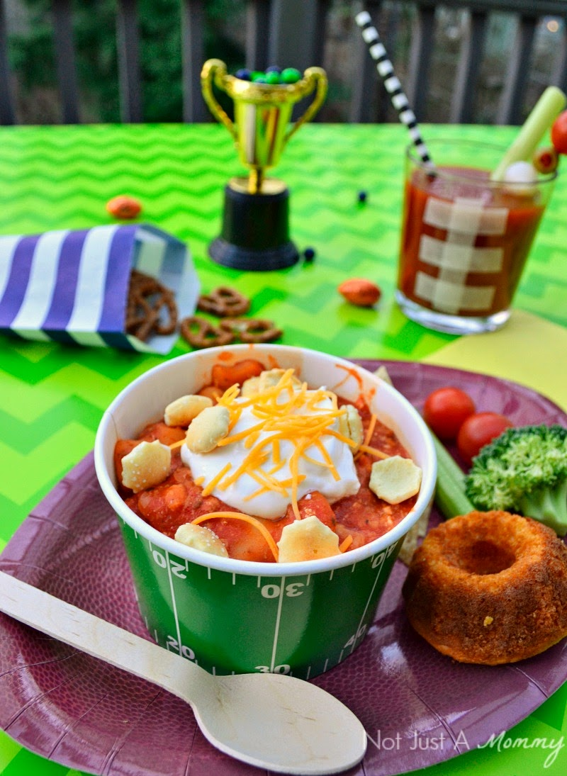 Easy Super Bowl party ideas; chili bowl