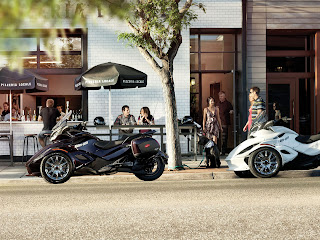 2013 Can-Am Spyder ST Limited Motorcycle Photos 4