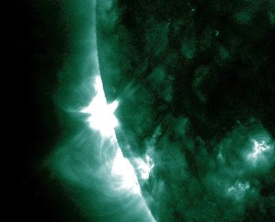 llamarada solar clase C2.3, 05 de Noviembre 2012