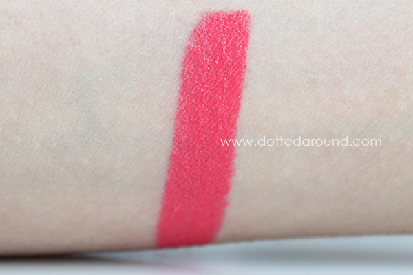 MAC Watch Me Simmer swatch lipstick NC15