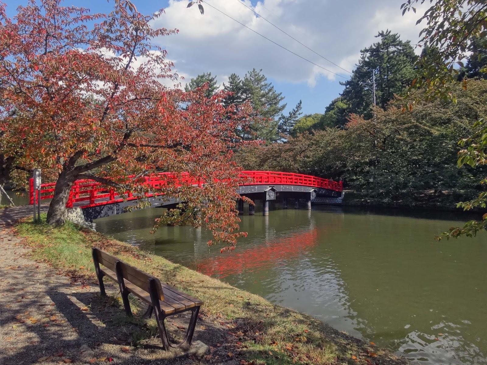 ベンチ,紅葉,弘前公園,橋〈著作権フリー画像〉Free Stock Photos