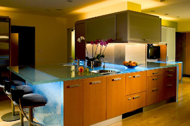 kitchen-designs-with-amazing-glass-tops-from-ThinkGlass-2
