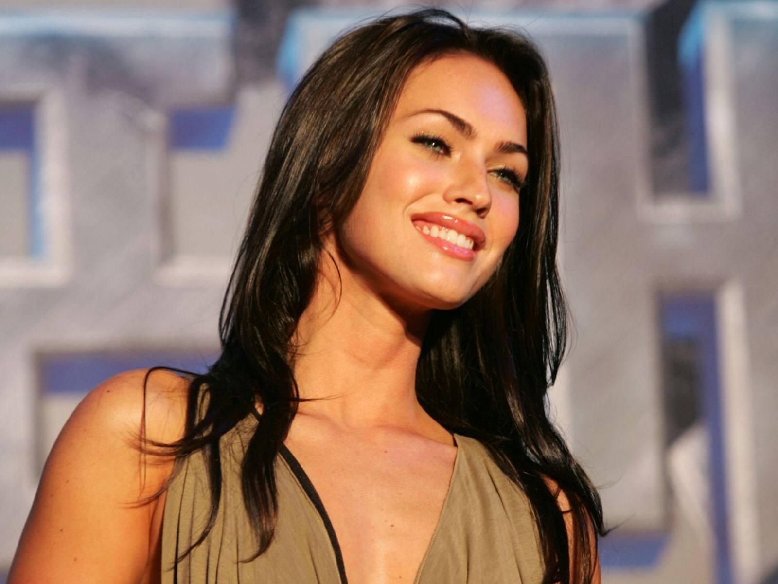 http://1.bp.blogspot.com/-idv0n7N9FPU/Tkrbr-7xz6I/AAAAAAAAA1U/royVvhrVipk/s1600/Megan+Fox+15.jpg
