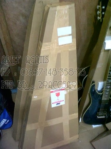 Packing Gitar