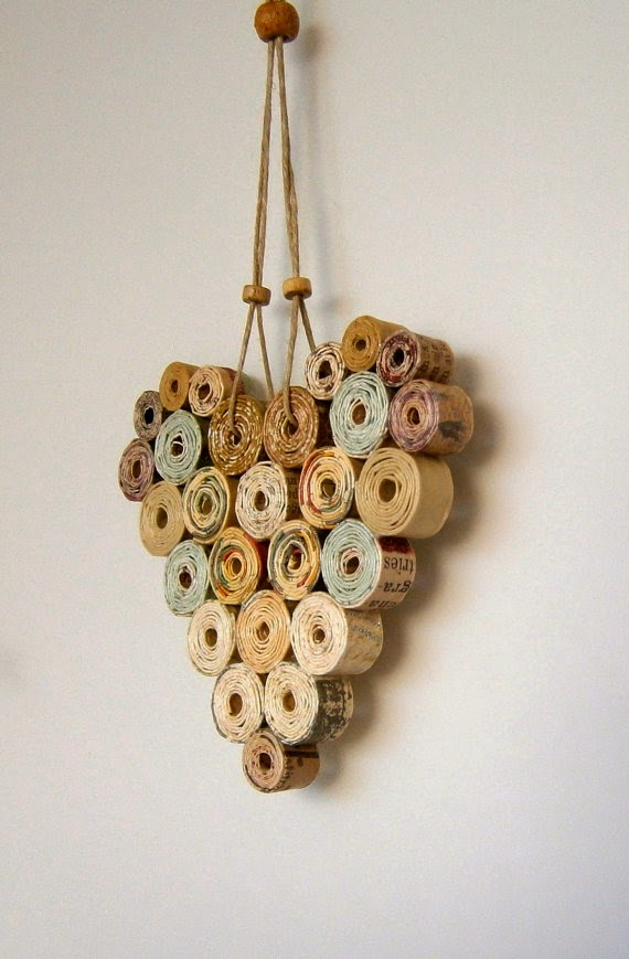 heart wall hanging using repurposed magazines
