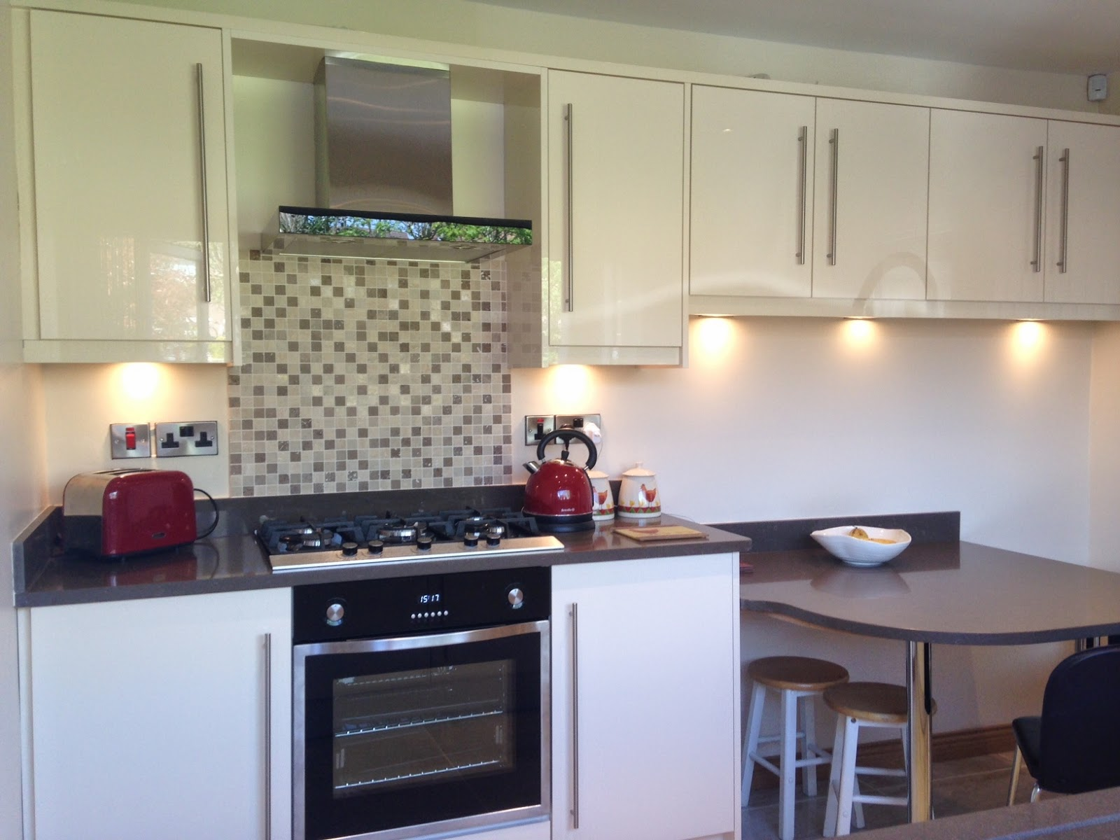 Kitchens Direct NI: High Gloss Kitchen in Belfast from the Kitchens ...