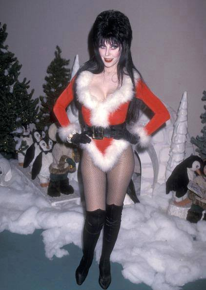 Moongem Comics: Countdown to Christmas 2015 Day 23: Sexy Santa Elvira