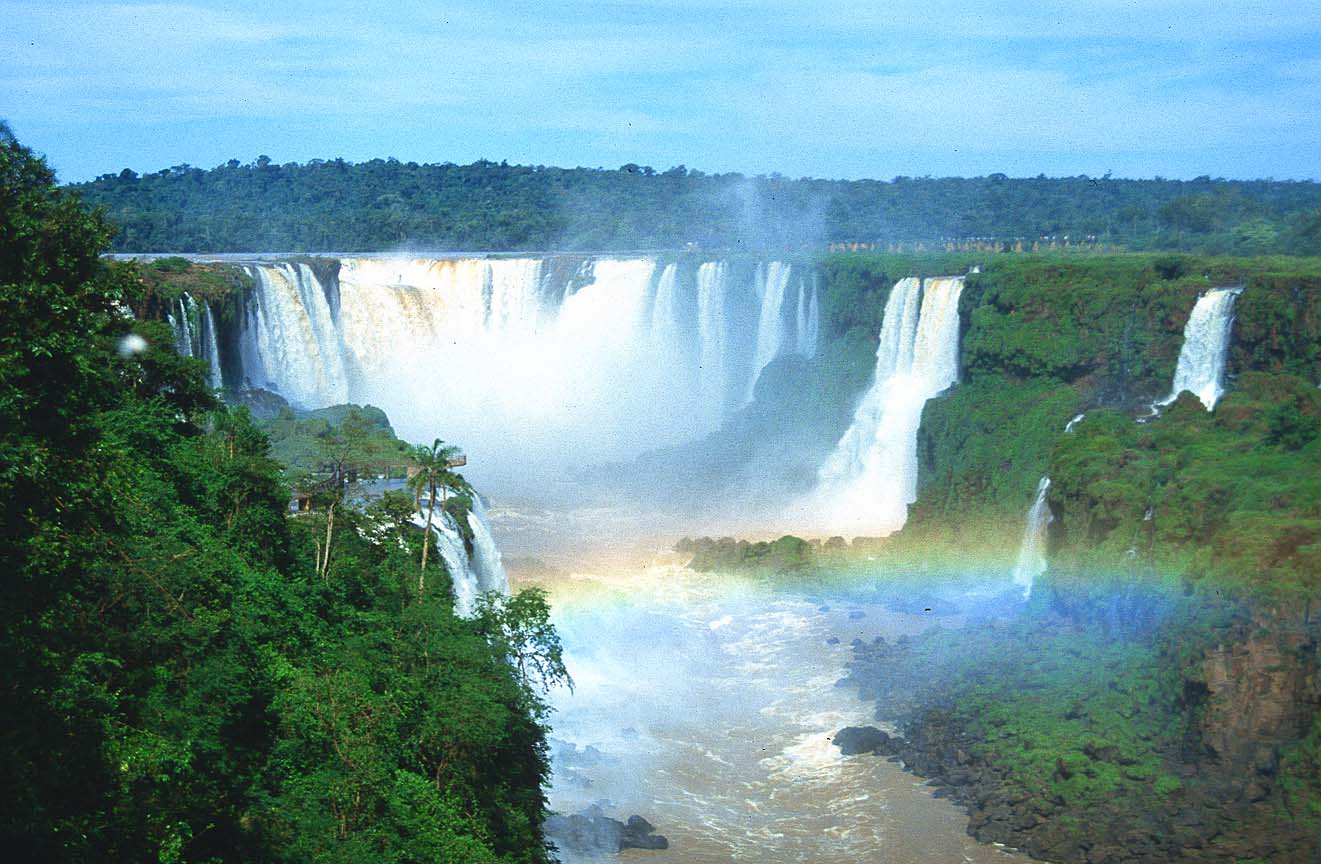 .com/search/images?_adv_prop=imageamp;fr=yfpt701amp;va=brazil+waterfalls