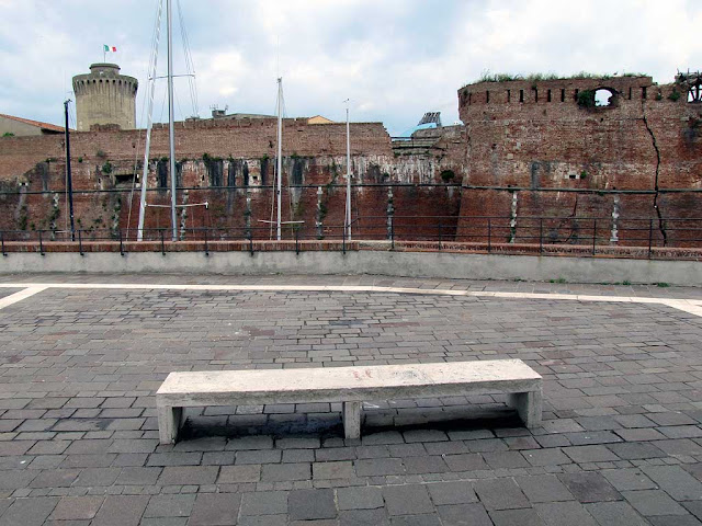 Bench facing the Fortezza Vecchia, Old Fortress, Livorno