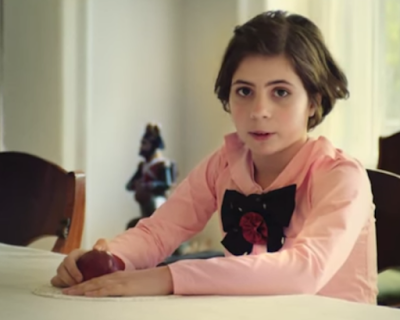 «Девочку с персиками» Серова оживили в видеоролике