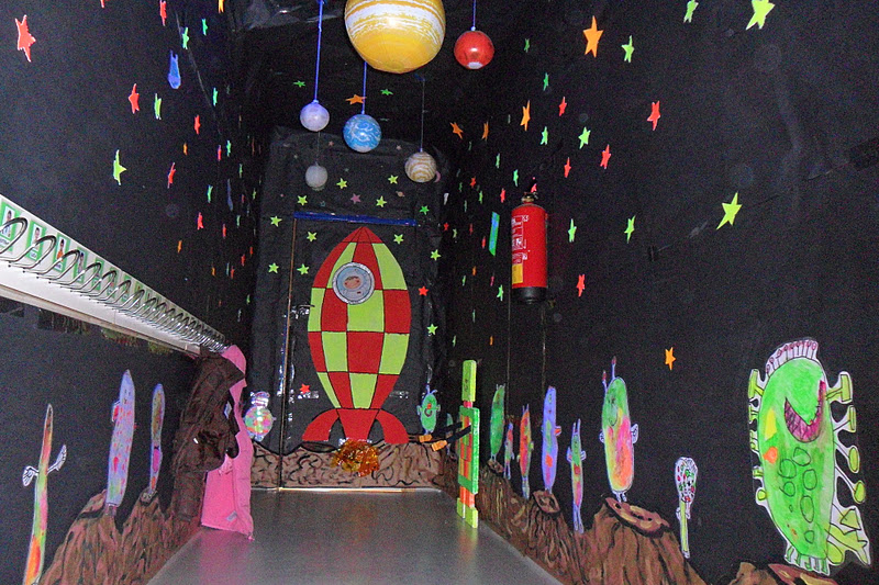 Planetas para colorear mercurio para pintar dibujos for Decoracion de espacios de preescolar