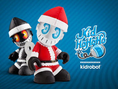 KidHoHoHo Mini Bot and Black Variant Chase Colorway by Kidrobot